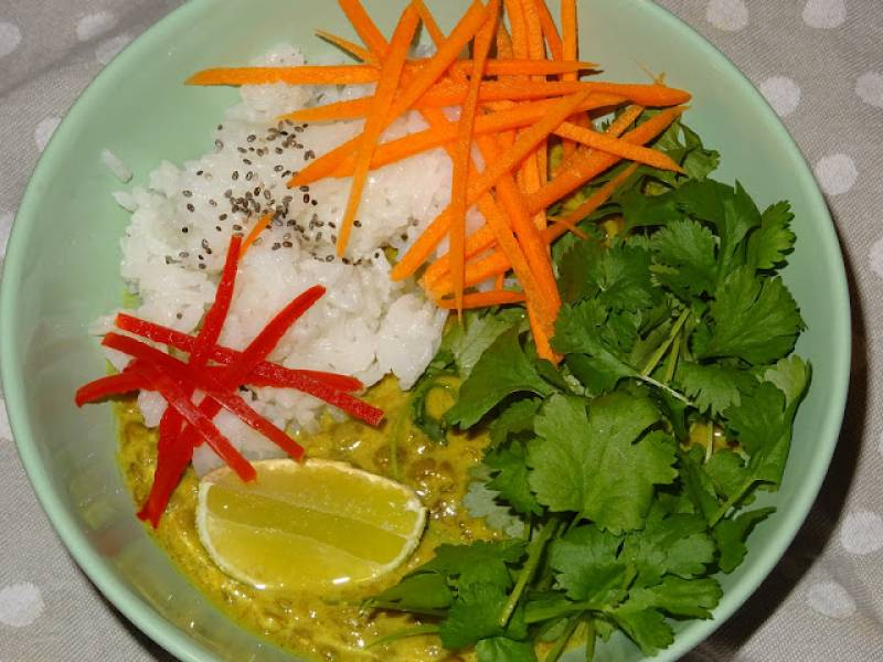 Curry z soczewicą i kolendrą