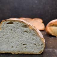 Chleb orkiszowy, na zakwasie i drożdżach