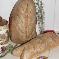 Orkiszowo-pszenny chleb dekoracyjny w listopadowej piekarni