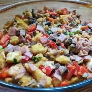 Pyszna zapiekanka rodzinna -doskonała na sycący obiad i możliwiością wykorzystania czerstwych bułek,które nam czasem zostaje