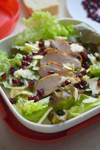 Przepis Na Salatka Z Granatem I Kurczakiem Kuchnia Bazylii