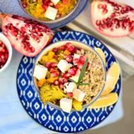 Curry z brokułem, batatem i marynowanym tofu oraz cytrynowa kasza gryczana niepalona