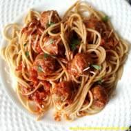 Pełnoziarniste spaghetti z klopsikami z indyka