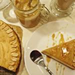 Miodowy sernik z masłem orzechowym, czyli wyjątkowe ciasto na wyjątkową okazję