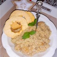 Korzenno-miodowa kasza jaglana z suszonymi jabłuszkami
