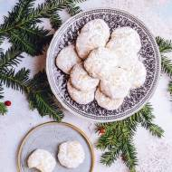 Kurabiedes – greckie ciasteczka migdałowe