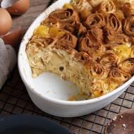 Zapiekane naleśniki z serem, rodzynkami i pomarańczą