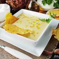 Zupa czosnkowa z chipsem serowym