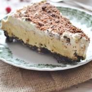 Tarta z ciastkami Oreo i masłem orzechowym bez pieczenia