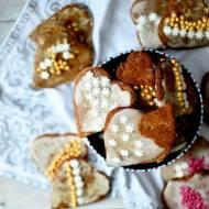Pierniczki na bazie mąki żytniej i kokosowej z lukrem pomarańczowym