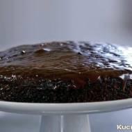 Ciasto kefirowe oraz film pokazujący jak je przygotować