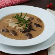 Zupa z suszonych grzybów z gwiazdkami