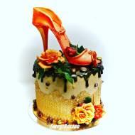 Na wysokim obcasie- tort urodzinowy