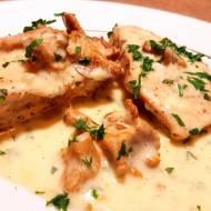 Filet z kurczaka w sosie śmietanowo-kurkowym