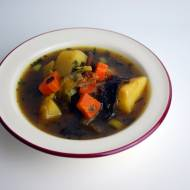 Zupa grzybowa z ziemniakami i kaszą jaglaną