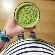Koktajl z zieloną herbatą matcha.