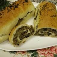 Kulebiak wigilijny z kapustą kiszoną i grzybami