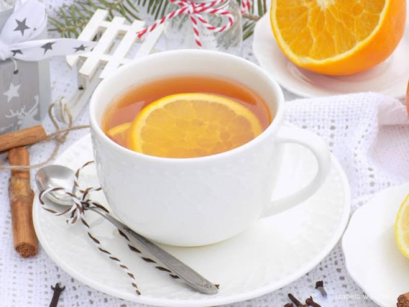 Zimowa herbata  z cynamonem i cytrusową nutką.