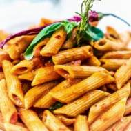 Klasyka – makaron z sosem pomidorowym
