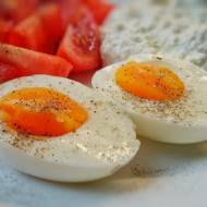 Jajka smażone, czy gotowane? Co utrudnia trawienie jajek? Jaki przepis?