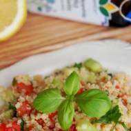 Lekka sałatka z kuskusem i warzywami