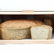 Chlebak – jaki wybrać, by sprawdził się w kuchennym wnętrzu?