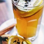 Rozgrzewająca herbata – idealna na zimowe wieczory