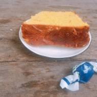 Ciasto drożdżowe z żurawiną i migdałami
