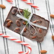 FIT Święta - Przepis #100 Domowa czekolada z migdałami (wegańska)