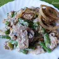 Wegańskie kremowe casserole z fasolki szparagowej i chrupiącej cebulki (bez glutenu)