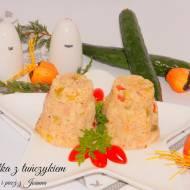 Sałatka z kaszą jaglana i tuńczykiem, dla zapracowanych