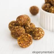 Zdrowe słodkości na święta – korzenne kulki z daktyli