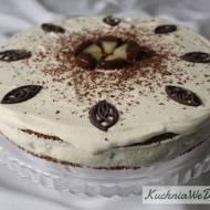 Tort jogurtowy zananasem