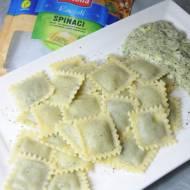 Ravioli spinaci z sosem szpinakowym
