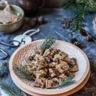 Proste domowe krówki z tahini i suszonych daktyli (bez cukru)