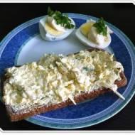 Szybka pasta jajeczna ze szczypiorkiem