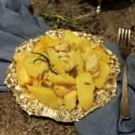 Piersi z kurczaka duszone z ziemniakami i pomarańczami