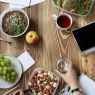 3 przepisy na szybkie obiady do pracy na bazie kaszy