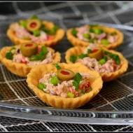 Kruche babeczki z pastą z tuńczyka