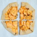 Pełnoziarniste galette z batatem i kremem nerkowcowym