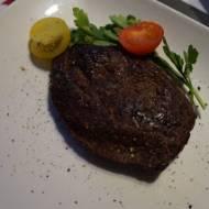 Stek ze strusia – marynowany