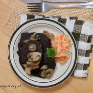 Placuszki z czarnego ryżu i grochu łupanego