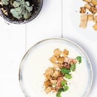 Krem kalafiorowy z boczkiem i grzankami