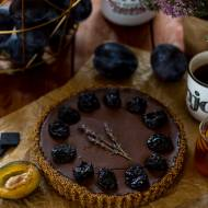 Tarta z suszonymi śliwkami i czekoladą