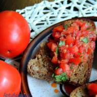 Bruschetta z pomidorami i anchois