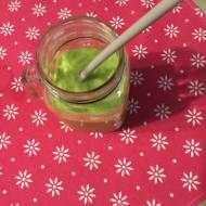 Pożywny koktajl owocowo-warzywny