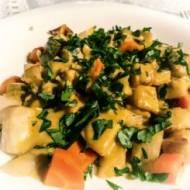 Pieczone warzywa z sosem curry