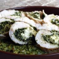 Roladki z kurczaka ze szpinakiem na zielonym ryżu