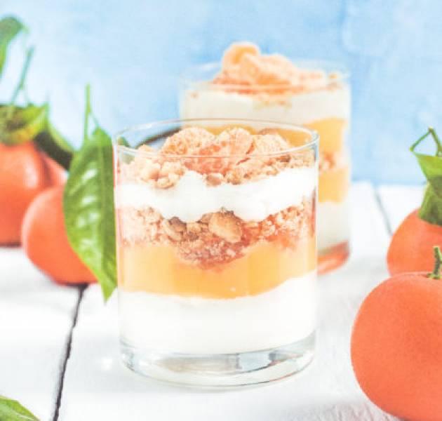 Deser z mandarynkowym curdem i bitą śmietaną