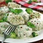 Cielęce pulpety z brokułem i sosem bazyliowym